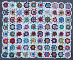 20 Popular Free #Crochet Patterns to Try Today - Flowers in the Snow crochet blanket pattern