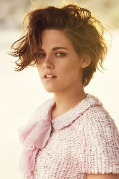 Exclusive: Kristen Stewart's Beauty Secrets Kristen Stewart on plastic surgery and her favourite beauty products – exclusive for Harper's Bazaar UK Popular Short Hairstyles, Pixie Hairstyles, Short Haircuts, Summer Hairstyles, Easy Hairstyles, Kristen Stewart Haircut, Kristen Stewart Hairstyles, Short Hair Cuts For Women, Short Hair Styles