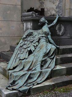 mynocturnality: Burial monument in Staglieno Cemetery Genoa. Cemetery Angels, Cemetery Statues, Cemetery Art, La Danse Macabre, Renaissance Kunst, Angel Art, Fine Art, Aesthetic Art, Art And Architecture