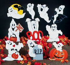 All Halloween - 10 Scary Ghosts Woodcraft Pattern Halloween Yard Art, Halloween Rocks, Halloween Ghosts, Holidays Halloween, Halloween Crafts, Halloween Stuff, Halloween Costumes, Halloween Designs, Wooden Halloween Decorations