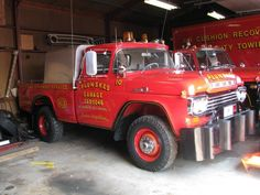 Tow Truck, Ford Trucks, Truck Lettering, Towing And Recovery, Ford F Series, Rescue Vehicles, Ford 4x4, Monster Trucks, Evening Sandals