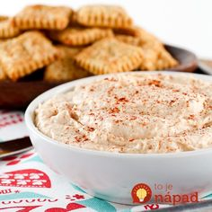Beer Cheese Crackers and Spread. Beer Cheese Crackers with Beer Cheese Spread Mayonnaise, Cooking With Beer, Beer Cheese, Sauce Tomate, Cheese Spread, Appetizer Dips, Delicious Appetizers, Milk Recipes, Food Processor Recipes