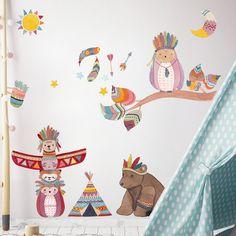 Abenteuer im Kinderzimmer mit einem Indiane-Stickerset. Gesehen auf www.tinyfoxes.de