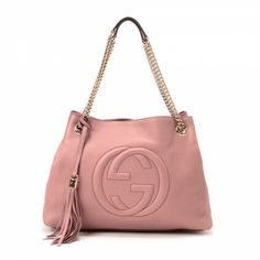 eb9d20ad5a4e The authenticity of this vintage Gucci Soho tote is guaranteed by LXRandCo.  This exquisite tote comes in beautiful pink beige leather.