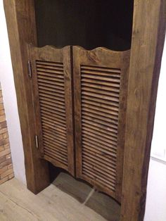 Handcrafted wooden saloon doors rustic style with double swinging hinges.  Watch out my channel for more cool projects: https://www.youtube.com/watch?v=44AKio8amyk