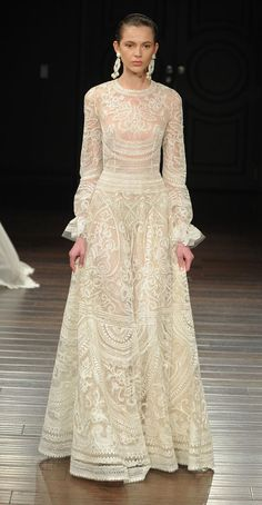 Looking for vintage valentino wedding dress? Find and save ideas about Inspirational Vintage Valentino Wedding Dress ideas here. Vintage weddings have become an extremely popular theme for weddings today. Naeem Khan Wedding Dresses, Naeem Khan Bridal, Best Wedding Dresses, Bridal Gowns, 2017 Bridal, 2017 Wedding, Bridesmaid Dresses, Lace Wedding Dress With Sleeves, Long Sleeve Wedding
