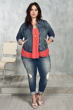 Buying plus size clothes are not easy. There is a lot of hits and misses a customer has to face while purchasing it. The biggest problem with buying clothes for women with the plus-size is either n… Plus Size Fashion For Women, Plus Size Women, Plus Fashion, Womens Fashion, Fashion Fall, Trendy Fashion, Xl Mode, Mode Plus, Mode Outfits