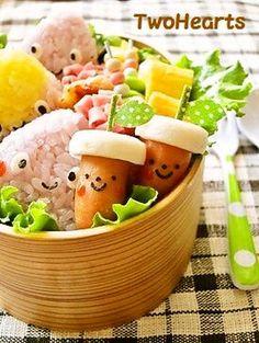 お弁当にどんぐり♡(ちくわ&ソーセージ)
