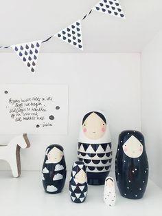 SUUS | Sneak Peak Nursery | ensuus.blogspot.nl | Kidsroom Nursery Boysroom Baby Black and White | Nesting Dolls - Trojan Horse - Studio Roof - Eeflillemor |