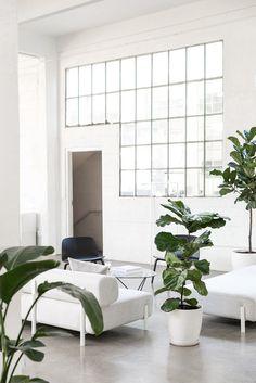 Interior Architecture, Interior And Exterior, Interior Design, Futuristic Architecture, Minimalist Interior, Minimalist Home, Living Room Inspiration, Interior Inspiration, Corporate Office Decor