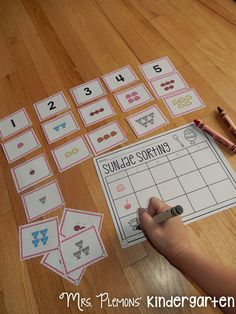 """Build Kindergarten Number Sense with these 20 differentiated centers! In """"Sundae Sorting,"""" students put numbers in order, practice one to one correspondence and match numbers to sets of objects."""