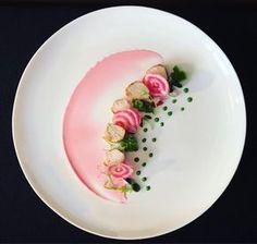 Pink, filetto di coniglio, maionese alla barbabietola e salsa di spinaci - di Deborah Carucci #fuudly #ricette