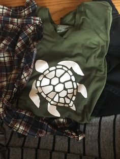 Turtle tee by PolkaDotGift on Etsy https://www.etsy.com/listing/602680249/turtle-tee