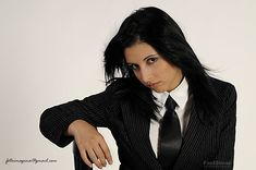 Women Wearing Ties, New Fashion, Fashion Outfits, Satin Shirt, Suit And Tie, Alternative Fashion, Suits For Women, Modern Women, Neckties