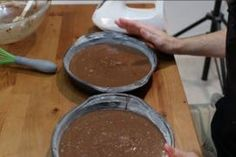 Easy Moist Chocolate Cake: 10 Steps (with Pictures) Easy Moist Chocolate Cake, Homemade Chocolate Buttercream Frosting, How To Make Chocolate, How Sweet Eats, Cake Recipes, Cake Decorating, Cooking Recipes, Desserts, Pictures