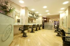 Get The Best Hair Treatment With Top Salon In London