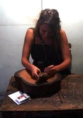 Læderkursus Indonesien  Travel experience from Java with a leather course from a local man
