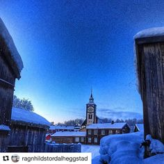 #RørosKirke er norges femste største kirke. #reiseblogger #reisetips #reiseliv  #Repost @ragnhildstordalheggstad with @repostapp  Mens vi venter på hvit jul  #destinationroros #exploretrondelag #global_nature_yellows #vision_world #ww_nature_miracles #dreamynorway #stalking_nature_ #amazing_memory_ #everydaybergen #heart_imprint