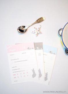 """Pienen oma koottava """"ystäväkirja"""", johon vieraat voivat vieraskirjan tavoin kirjoittaa terveisensä ja elämänohjeensa. Sopii erinomaisesti ristiäisiin, nimiäisiiin tai vaikka 1-vuotissynttäreille."""