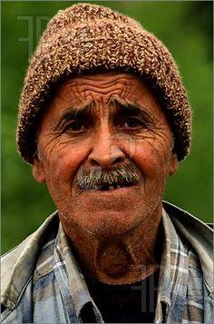 Image from http://www.featurepics.com/FI/Thumb300/20071217/Turkish-Man-548271.jpg.