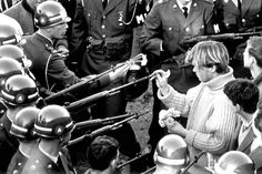 """Counterculture: Anti-war protestors made up a large part of the counter-culture movement. Hippies and so called """"doves"""" held many protests against the Vietnam War. Mundo Hippie, Powerful Pictures, Meaningful Pictures, Lourdes, Iconic Photos, Famous Photos, Rare Photos, Janis Joplin, Vietnam War"""