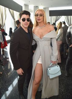 Nick Jonas and Iggy Azalea from Grammys 2018 Pre-Party Pics The singer and rapper appear at the Roc Nation brunch. Iggy Azalea, Classy Outfits, Chic Outfits, Bride Of Frankenstein Costume, Non Plus Ultra, Pre Party, Brunch Outfit, Celebrity Style, Celebs
