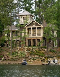 46 Creative Lake House Exterior Designs Ideas - own house - Traumhaus Beach Cottage Style, Lake Cottage, Beach House Decor, Tudor Cottage, Cottage Homes, Haus Am See, Lake Cabins, Dream House Exterior, Seen