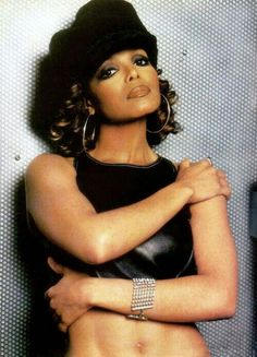 Love Janet's sophisticated cool look here