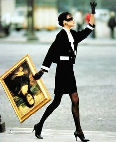 Inès de la Fressange - Chanel - Mona Lisa love this ad campaign Vintage Chanel, Vintage Vogue, Vintage Fashion, Vintage Paris, Mona Lisa, French Fashion, Look Fashion, Ad Fashion, Classy Fashion