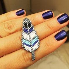 by dee Peyote Beading Patterns, Beaded Jewelry Patterns, Loom Beading, Bracelet Patterns, Seed Bead Crafts, Seed Bead Jewelry, Bead Earrings, Diy Jewelry, Motifs Perler