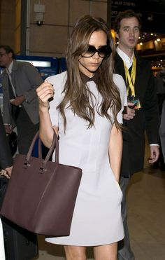 Victoria Beckham - Victoria Beckham Arrives in Paris