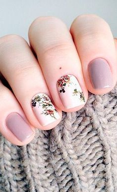 Pretty nail designs, website is in spanish though