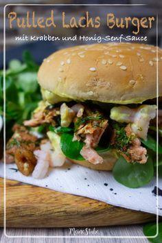 Pulled Lachs Burger mit leckerer Honig Senf Sauce und Krabben - Meine Stube Sage Butter Sauce, Burger Co, Sweet Potato Gnocchi, Pork Sandwich, Sandwiches, Fudge Sauce, Spare Ribs, Sauerkraut, Pulled Pork