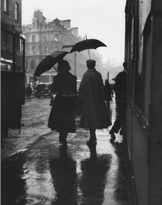 Carl SuttonA rainy day in England, 1955