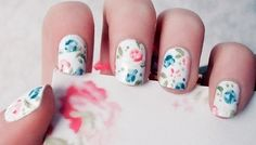 #Floral #nails---I've done this before and it was fabulous! I used a black background & vintage color scheme.