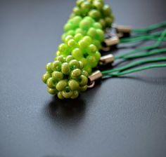 Zelená všude kam se podíváš - přívěšky na kabelku... – Potvor - pomáhat tvořit