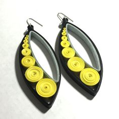 Statement Earrings Made from Paper in Black, Yellow & Grey. Hand Quilled (Rolled) and Extremely Lightweight. Paper Quilling Earrings, Paper Quilling Patterns, Quilling Paper Craft, Quilling Craft, Art Deco Earrings, Diy Earrings, Statement Earrings, Paper Bead Jewelry, Bead Jewellery
