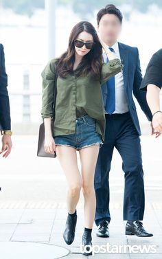 Mystarmyangel-융융 (@mystarmyangel) | Twitter Airport Fashion Kpop, Korean Fashion Kpop, Korea Fashion, Asian Fashion, Snsd Fashion, Fashion Idol, Yoona Snsd, Beautiful Asian Girls, Women's Summer Fashion