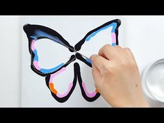 Pour Painting Techniques, Acrylic Pouring Techniques, Acrylic Pouring Art, Acrylic Art, Diy Butterfly, Butterfly Painting, Liquid Paint, Simple Acrylic Paintings, Watercolor Paintings