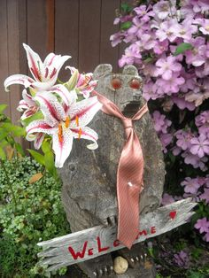 The welcome bear at the Reiki Ranch School