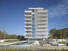 Gallery of Jesolo Lido Condominium / Richard Meier & Partners Architects - 3