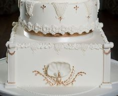Royal icing details inspired by the Stucco Ballroom at Knowsley Hall