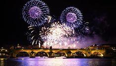Praha tradičně vítá příchod nového roku ohňostrojem v centru... Praha, Fireworks, Fair Grounds, Tv, Travel, Viajes, Television Set, Destinations, Traveling