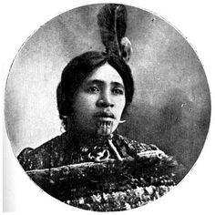 A chieftainess of Taupo and the King Country: the late Te Rerehau, wife of Te Heuheu Tukino. Hawaiian Tribal Tattoos, Samoan Tribal, Filipino Tribal, Maori Face Tattoo, Maori Tattoos, Borneo Tattoos, Thai Tattoo, Polynesian People, Maori People