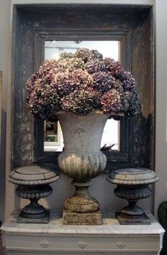 33 The Best Rustic Country Home Decor Ideas - Trendehouse - Garden Decor French Country Rug, French Decor, French Country Decorating, Modern Country, Deco Floral, Arte Floral, Casa Magnolia, Design Vase, Design Design