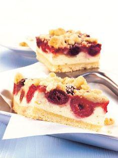 Třešňový koláč s tvarohem a mandlovým sypáním Sweet Recipes, Cake Recipes, Dessert Recipes, All You Need Is, Baking Bad, Cherry Cake, Bakery Cakes, Cakes And More, Baked Goods