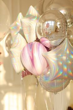 Iridescent, silver and marble balloons! Love the effekt of this color combo. - Iridescent, silver and marble balloons! Love the effekt of this color combo. Iridescent, silver and marble balloons! Love the effekt of this color combo. Birthday Party Celebration, 18th Birthday Party, Sweet 16 Birthday, Birthday Party Decorations, 18th Party Themes, 14 Birthday Party Ideas, Sweet 16 Party Themes, Sweet 16 Party Decorations, Glitter Party Decorations