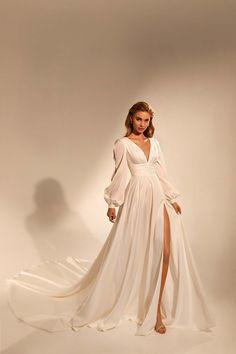 Grad Dresses, Bridal Dresses, Evening Dresses, Dream Wedding Dresses, Designer Wedding Dresses, Designer Gowns, Vintage Inspired Wedding Dresses, Wedding Outfits, Glamouröse Outfits