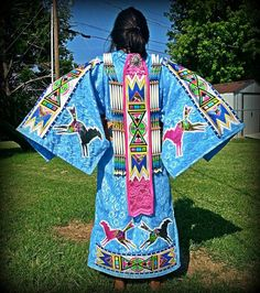 Pin by Rachell Hills-Nedrow on Native American Regalia, Native American Clothing, Native American Women, American Indian Art, Native American Beading, Native American Fashion, American Pride, American History, Powwow Beadwork