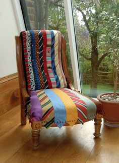 Using old materials to renew furniture: click to see more!